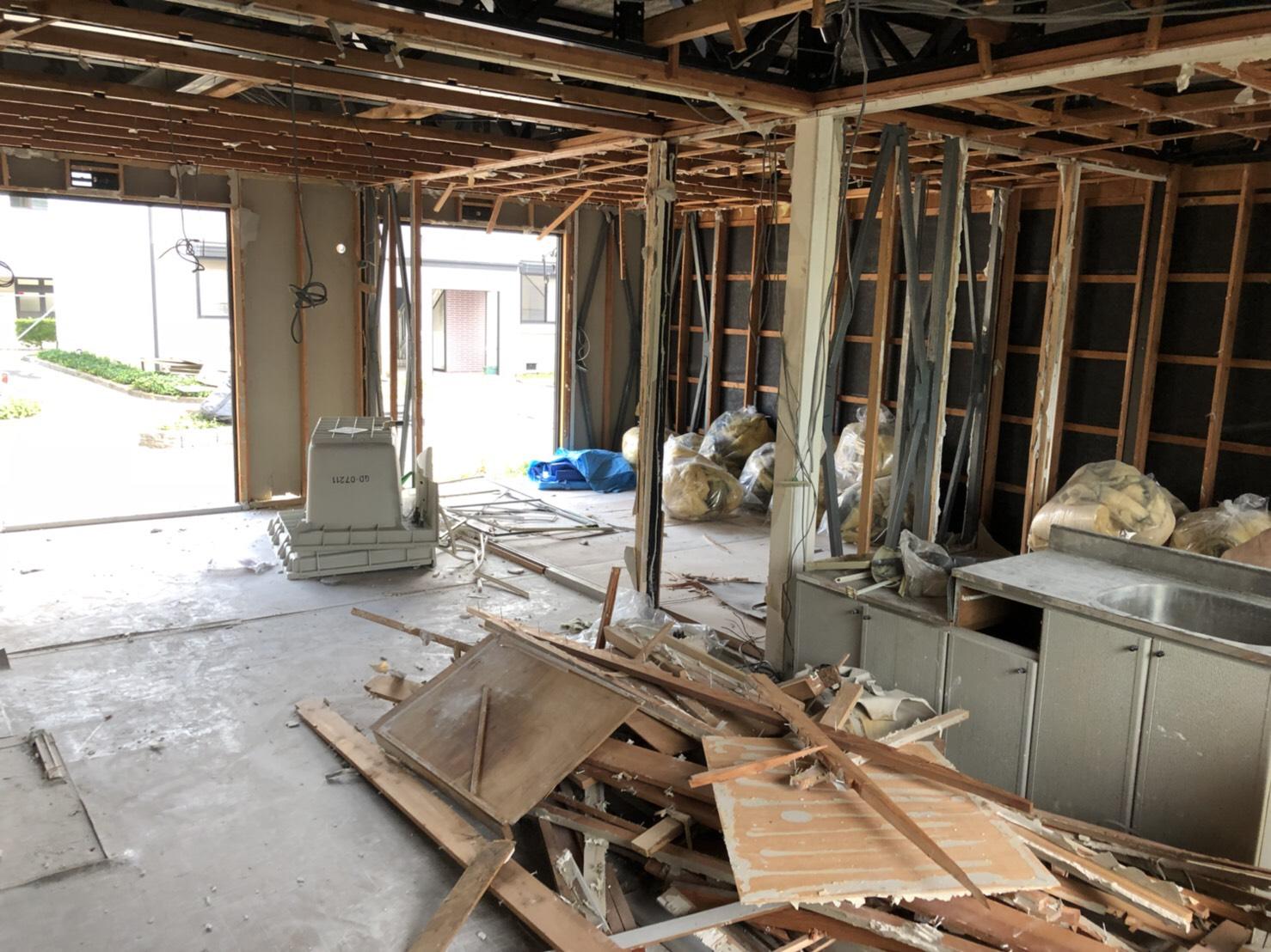 アパート内装解体工事 作業途中